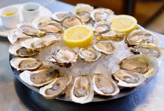 the-best-oyster-happy-hours-in-nyc